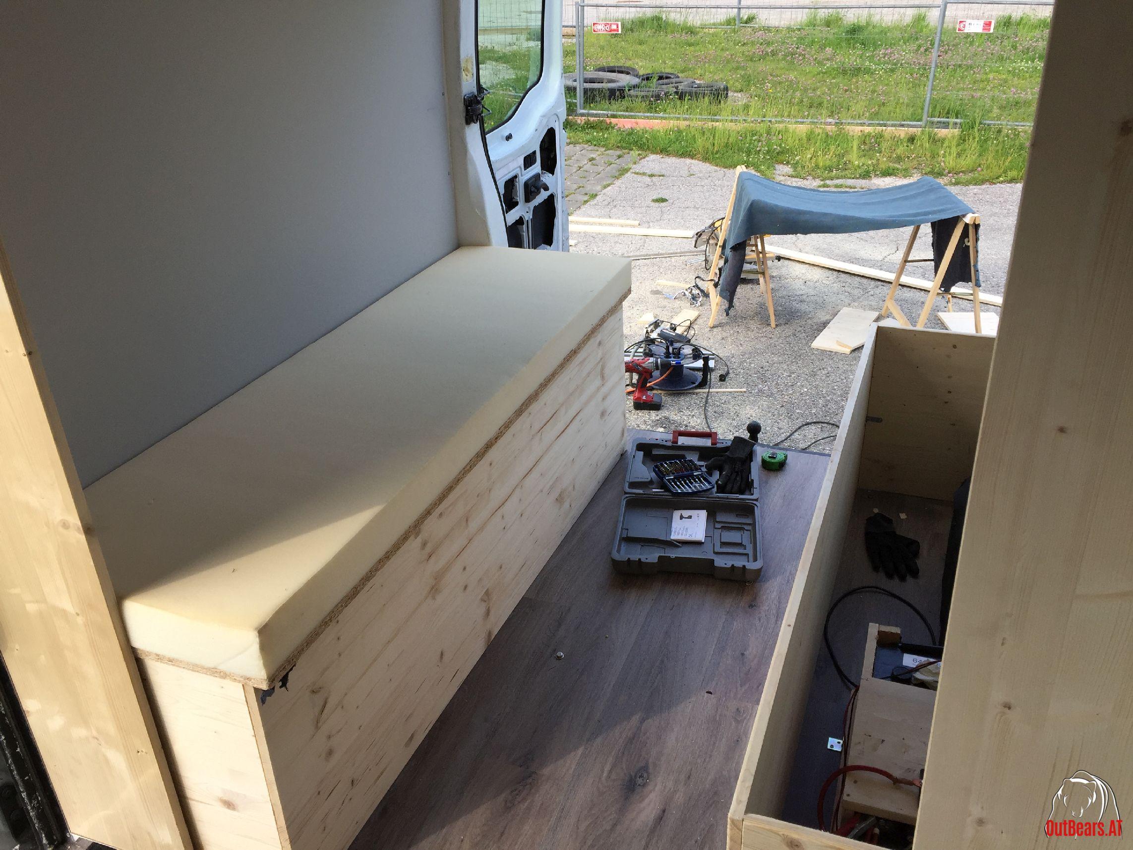 m bel im bus sitzbank renault master outbears. Black Bedroom Furniture Sets. Home Design Ideas