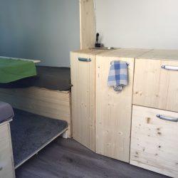 Camper nach zehn Wochen Wasseranlage- Campingküche